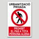 Urbanització privada, prohibit el pas a tota persona aliena