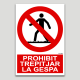 Prohibido pisar el césped