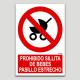 Prohibido silleta de bebés, pasillo estrecho