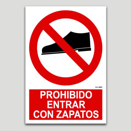 Prohibido entrar con zapatos