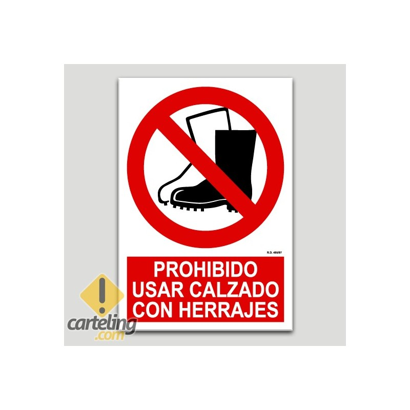 Prohibit l'ús de calçat amb herratges