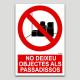 No deixeu objectes als passadissos