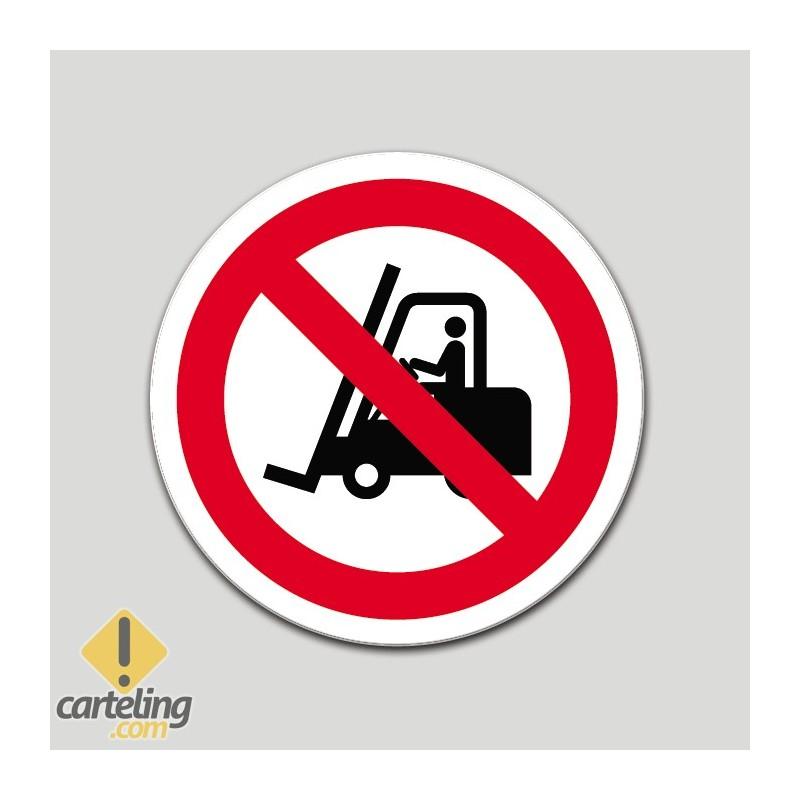 Prohibido el paso a carretillas (pictograma)