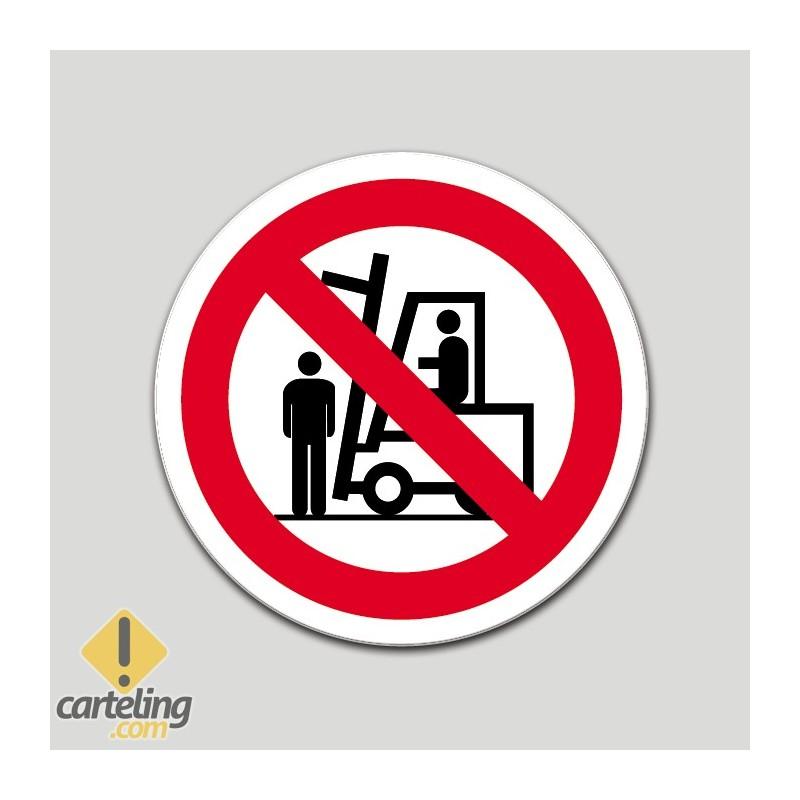 Prohibido situarse debajo de la carga (pictograma)