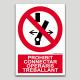 Prohibido conectar, operarios trabajando
